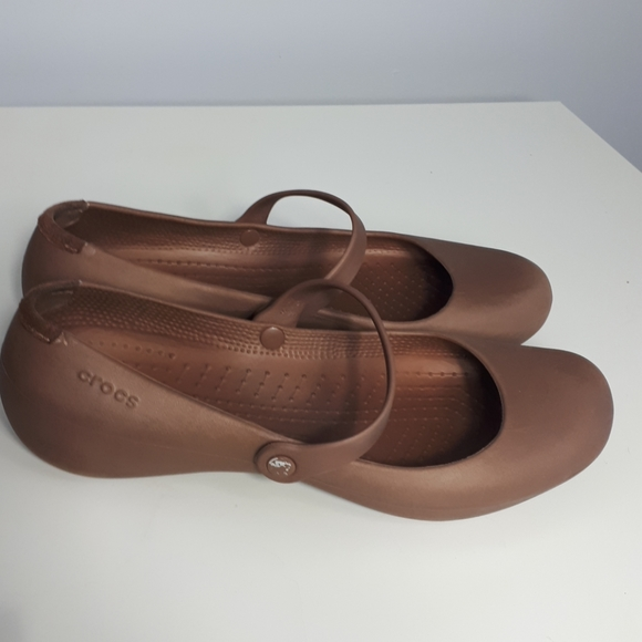 🍒3/$25🍒Crocs Brown Mary Jane style crocs